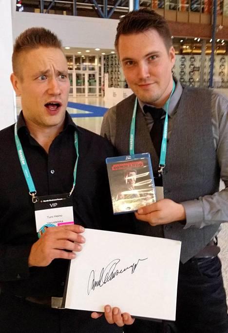 Varustelekan myyntitirehtööri Turo Heino (vas.) ja Toni Suokas.