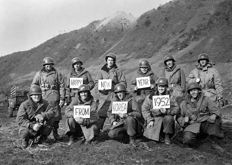 Korean sodassa olleet amerikkalaissotilaat lähettivät uudenvuodentoivotukset vuonna 1952.