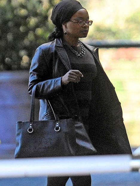 Graca Machelin tytär Josina Machel kävi myös Nelson Mandelan luona. Graca Machel on Mandelan entinen vaimo.