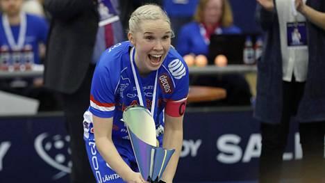 Classic juhli naisten salibandycupin mestaruutta – Nina Rantala palasi Urheilugaalasta ratkaisijaksi