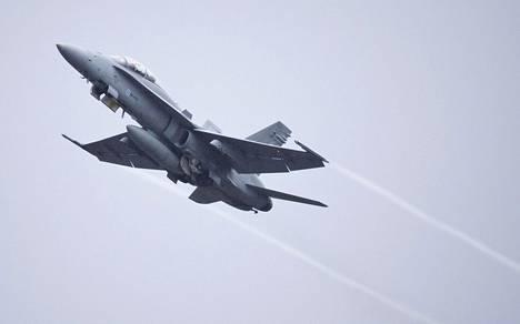 Suomen Hornetit ja ilmavoimien henkilöä on mukana Naton harjoituksessa.