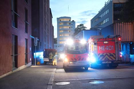 Palokunta sai hälytyksen palopaikalle ennen puolta kymmentä tiistai-iltana.