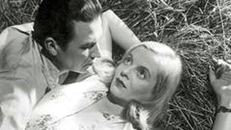 Levoton veri -elokuvan pääosassa oli itseoikeutetusti Regina Linnanheimo. Elokuva nähdään Teema & Fem -kanavalla tiistaina 6.6.