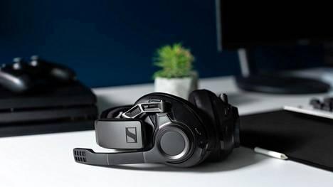 Sennheiser GSP 670 -luurit ovat langattomat ja tarjoavat hyvän äänenlaadun, mutta hinta ihmetyttää.
