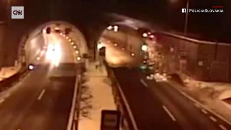 Onnettomuus tapahtui Borikin tunnelissa lähellä Popradin kaupunkia.