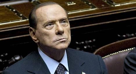 Silvio Berlusconi kärsi nöyryytyksen Italian parlamentissa tiistaina, koska hallitus ei saanut yli puolta parlamentin kaikista äänistä.