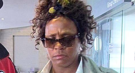 Whitney Houstonin paluu konserttilavoille ei ol sujunut ilman ongelmia.