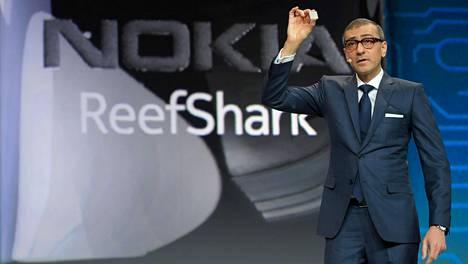 Nokian toimitusjohtaja Rajeev Suri puhui mobiilialan messuilla Barcelonassa 25.2.2018.