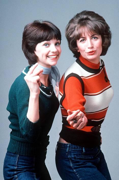 Penny Marshall ja Cindy Williams (vas) nousivat kuuluisuuteen Laverne & Shirley -tilannekomediasta.