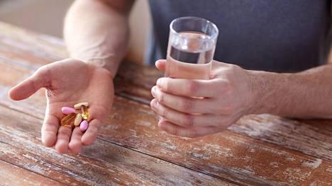 Liian suuriin D-vitamiiniannoksiin liittyy yliannostuksen vaara.