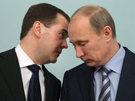 Venäjän pääministeri Dmitri Medvedev ja presidentti Vladimir Putin tuskin katsoisivat Kyproksen talletusveroa hyvällä.