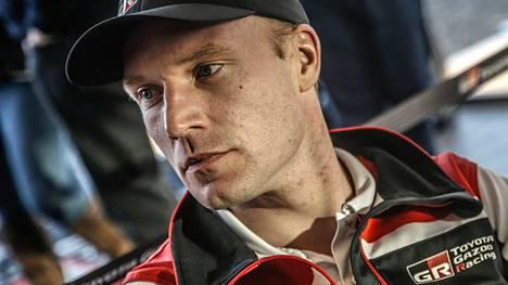 Suomalaisten meno takkuaa Korsikan MM-rallissa – Latvala suomi nuottejaan, Lappi spinnasi neulansilmämutkassa