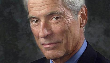 Amerikkalaistoimittaja Bob Simon menehtyi rajussa kolarissa New Yorkissa.