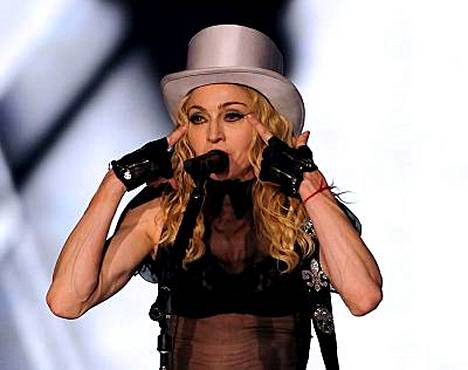 Madonnan uskonnolleen syytämillä varoilla rahoittaisi yhden jos toisenkin suomalaisseurakunnan toiminnan.