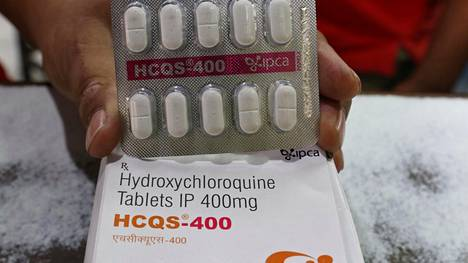 Hydroksiklorokiinia on aiemmin käytetty malarian hoitamiseen.