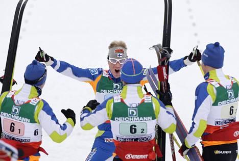 4x10 kilometrin MM-pronssi 2009 oli kova juttu. Ankkurina hiihti Ville Nousiainen.