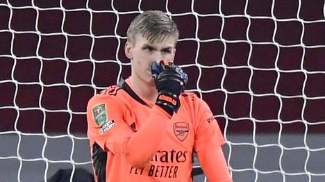 Runar Alex Runarsson päästi neljä maalia tiistai-iltana.