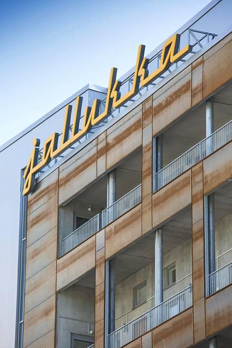 Muusikkotalo Jallukka sijaitsee Helsingin Jätkäsaaressa.