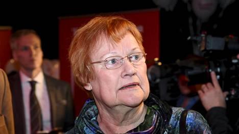 Tarja Halosen mielestä tärkeintä näissä vaaleissa on, että äänestysprosentti nousisi korkeaksi. Hänen mielestään kaikki tasavallan presidentin haastaneet ehdokkaat osoittivat kansalaisrohkeutta lähtemällä kisaan ylivoimaisena pidettyä Niinistöä vastaan.