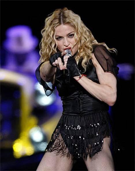 Kansainvälinen pääsylippujen trokaussivusto Worldtickets ilmoittaa Madonnan Helsingin-keikan lipun hinnaksi 295 euroa.