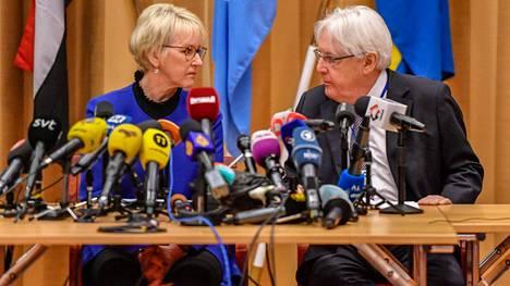 Ruotsin ulkoministeri Margot Wallström ja YK:n erityisedustaja Martin Griffiths avasivat Jemenin rauhanneuvottelut torstaina Tukholmassa.
