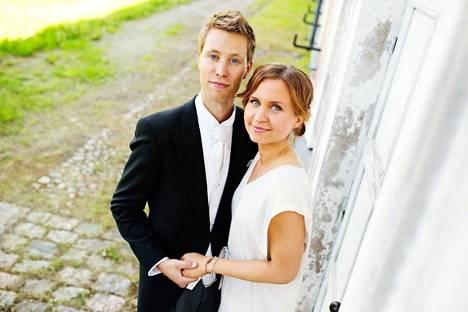 Viola ja Esa menivät naimisiin vuonna 2014.