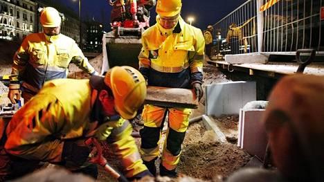Suomen tieverkoston korjausvelka on kasvanut jo noin kahteen ja puoleen miljardiin euroon.