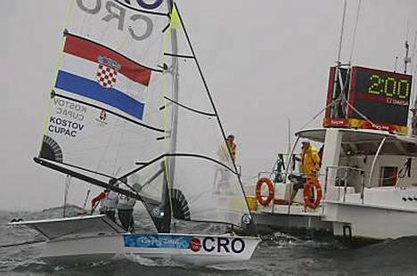Tanskan kaksikko Jonas Warrer ja Martin Ibsen purjehtivat olympiakultaan Kroatian veneellä.