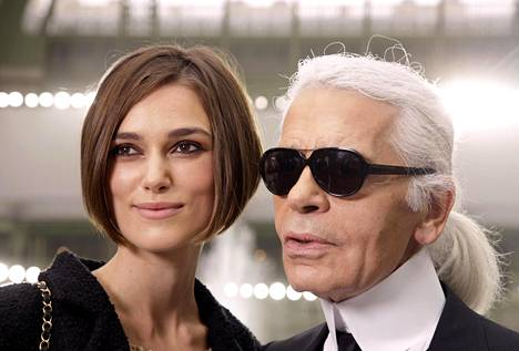 Lagerfeld mieltyi suosikkinäyttelijä Keira Knightleyyn. Kuva vuodelta 2010.