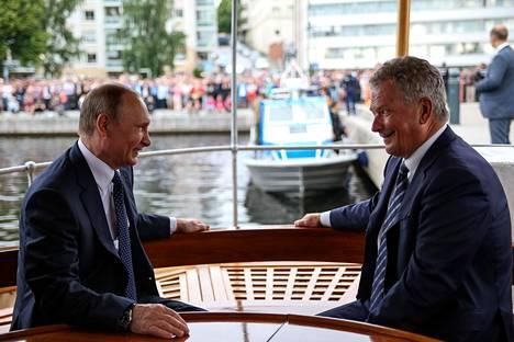 Presidentit Vladimir Putin ja Sauli Niinistö tekivät höyrylaivaristeilyn kesällä 2017, kun Putin oli käymässä Savonlinnassa.