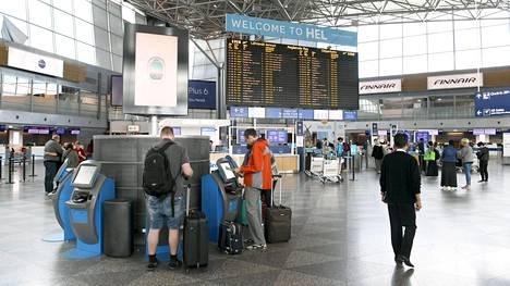 Helsinki-Vantaan lentoaseman veden hinta ja vesipisteiden sijainti on herättänyt keskustelua.