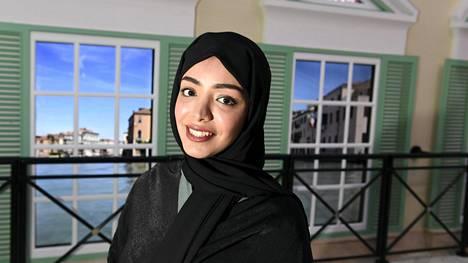 Fatima Albuainain työskentelee MM-kisojen antidopingosastolla.