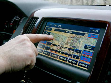 Teknouskovaiset luottavat kaupungissakin enemmän navigaattoriin kuin katukyltteihin.