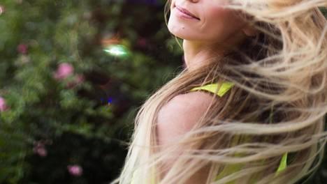 Kuten ihonhoidossa, myös hiusten huoltamisessa kerrostaminen on kaiken a ja o.