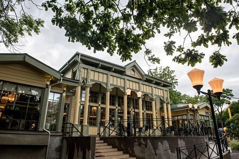 Vanhojen piirustusten perusteella uudelleen rakennettu Espilä-ravintola on nykyisin monien suomalaisten käyntikohteena Viipurissa.