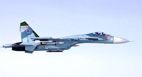 Ilmavoimien ottama kuva venäläisestä SU-27 -hävittäjästä, jonka epäillään loukanneen Suomen ilmatilaa Suomenlahdella klo 16.43 torstaina 6. lokakuuta 2016.