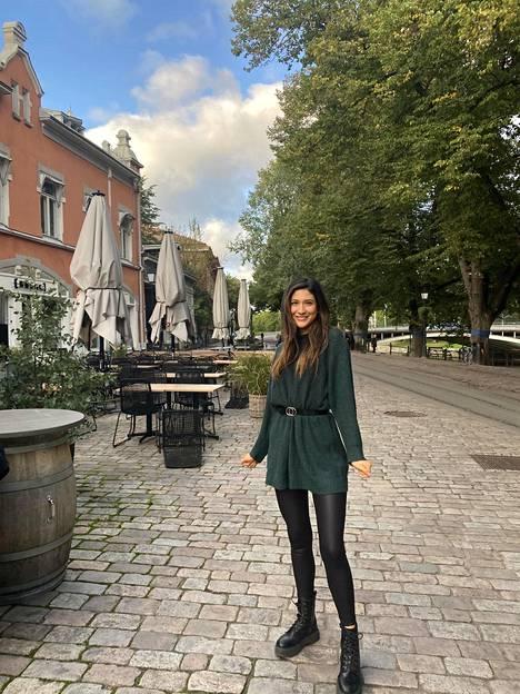 Suomessa Mariangel ei ole kokenut rasismia ulkona liikkuessaan mutta somessa kyllä.