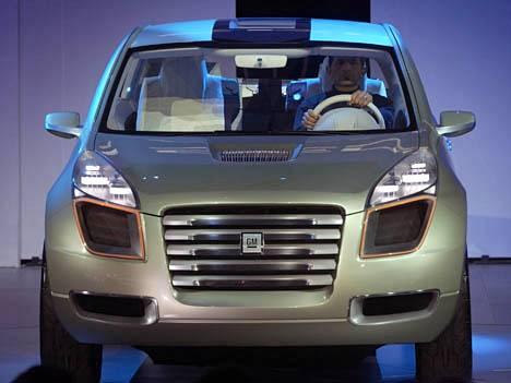 GM esitteli polttokenno-koeautonsa Sequelin jo 2006. Tuotantoa ei vielä ole.