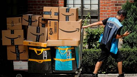Etätyöt ovat jatkossakin sallittuja Amazonilla, mutta suuri osa yhtiön työstä on edelleen paikkaan sidottua.