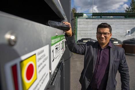 Johnny Pehkosen johtama yritys kehittelee muovinkäsittelyyn uudenlaista laitetta.