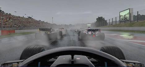Sadekisoista puheen ollen: Ne on toteutettu pelissä erinomaisesti. Ohittaminen on todella vaikeaa, kun edellä ajavien autojen aiheuttama vesisuihku sumentaa näkymän.