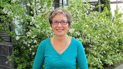 Kati Nappa on kiireinen eläkeläinen, joka käy luennoimassa terveellisistä elämäntavoista.