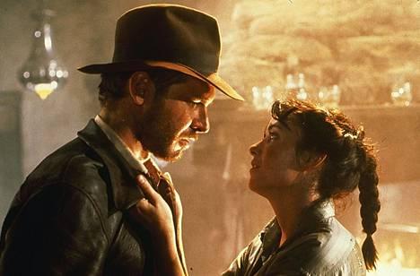 Kadonneen aarteen metsästäjät esitteli paitsi Indyn (Harrison Ford) myös Marion Ravenwoodin (Karen Allen).