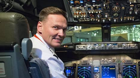 Norwegianin kapteeni Ilkka Luoteella on takana jo yli 20 lentovuotta eri puolilla maailmaa.