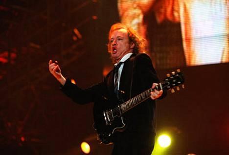 AC/DC nähdään taas Suomessa.