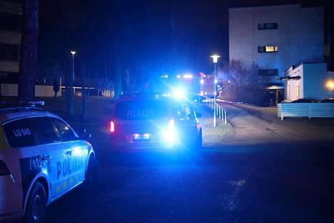 Länsi-Uudenmaan pelastuslaitoksen arvion mukaan lastenvaunut oli sytytetty tahallisesti tuleen.