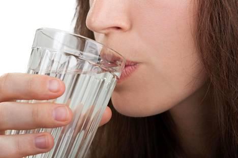 Jutta Larm on huomannut ruokapäiväkirjoista, että monet eivät juo käytännössä ollenkaan vettä.