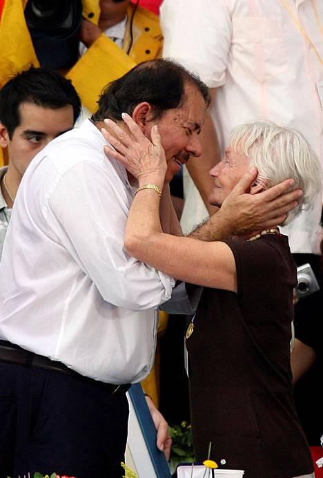 Margot Honecker ja Nicaraguan presidentti Daniel Ortega tapasivat vuonna 2008.