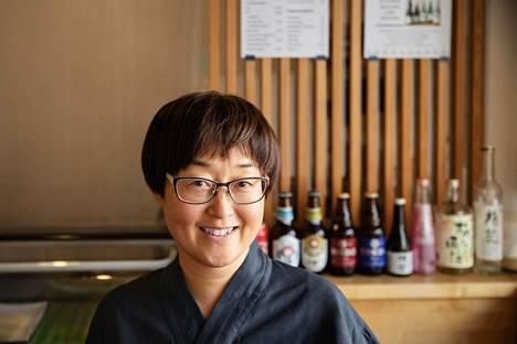 Yumi Sugano vinkkaa, että sushia voi kotona tehdä myös puuroriisistä.