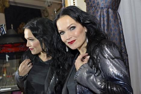 Tarja Turunen on Nightwishin ensimmäinen laulaja. Hänet kuitenkin erotettiin yhtyeestä vuonna 2005.
